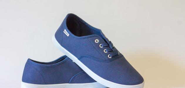 طريقة للتخلص من رائحة الحذاء الكريهة