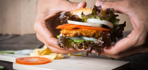 طريقة عمل ساندويش دجاج مسحب