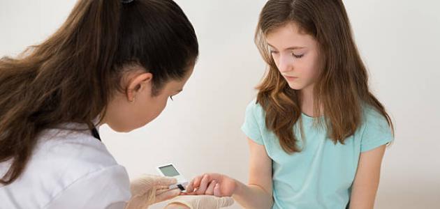 كيف يحدث هبوط السكر عند الأطفال - فيديو