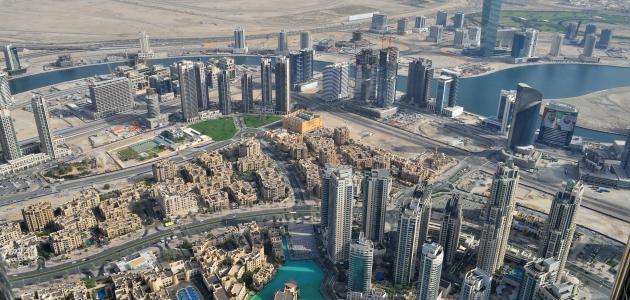 مساحة الإمارات وعدد سكانها