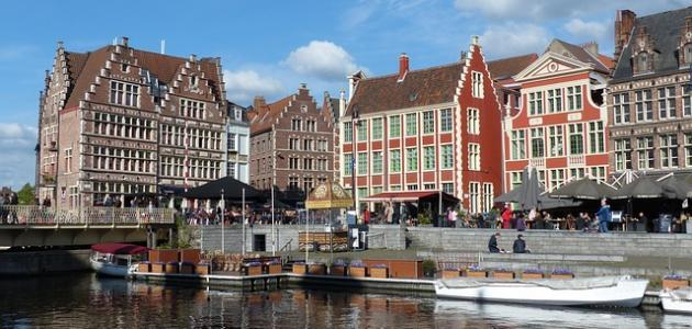 ما هو عدد لغات بلجيكا