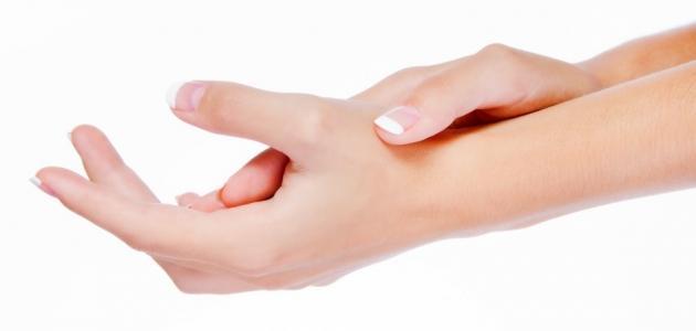 علاج جفاف جلد اليدين