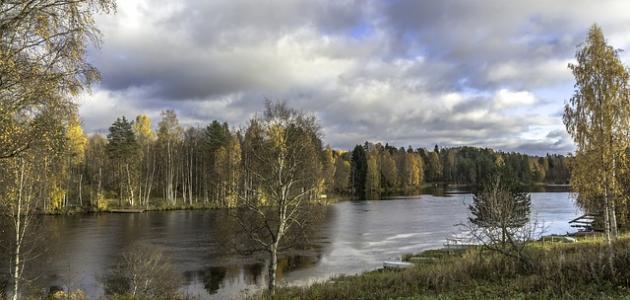كم عدد البحيرات في فنلندا