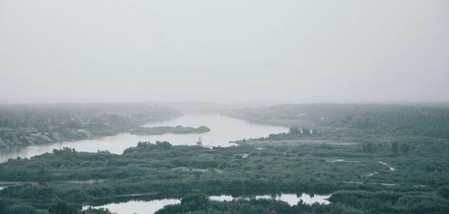عدد الدول التي يمر منها نهر دجلة