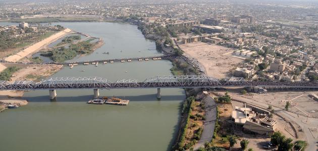 عدد الدول التي يمر منها نهر الفرات