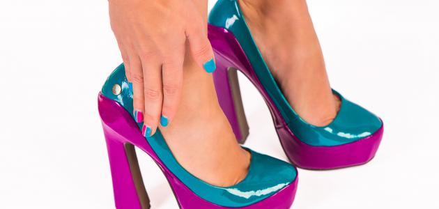 كيف أوسع الحذاء الضيق