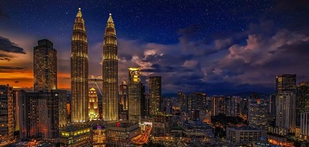 معلومات عن برجي بتروناس في ماليزيا