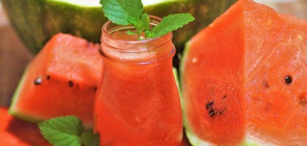 ما عدد السعرات الحرارية في البطيخ