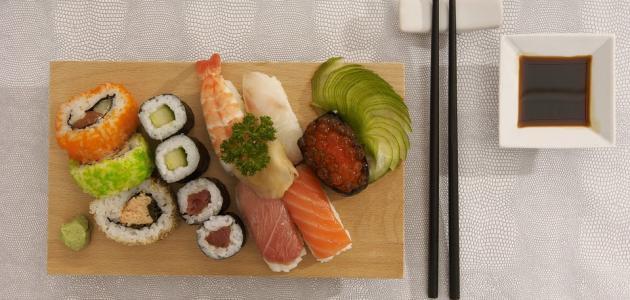 ما مكونات السوشي