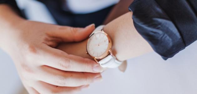 كتابة موضوع تعبير عن أهمية الوقت