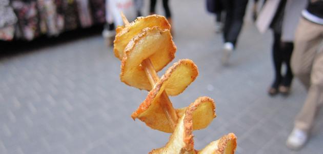 طريقة عمل البطاطا اللولبية - فيديو