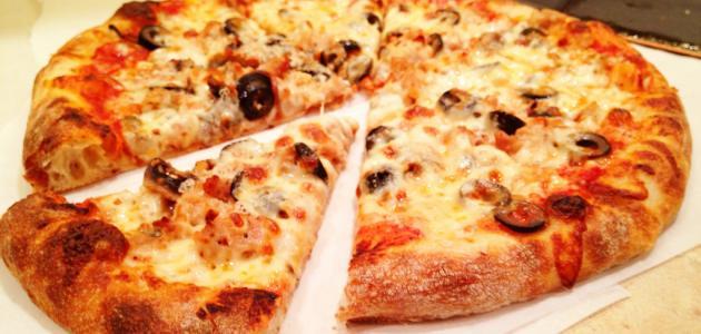 طريقة عمل بيتزا كبيرة
