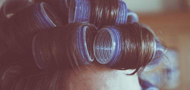 طريقة تجعيد الشعر الناعم القصير