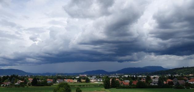 ما هي مراحل تكوين السحاب ونزول المطر
