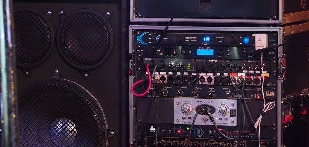 مبدأ عمل مكبر الصوت