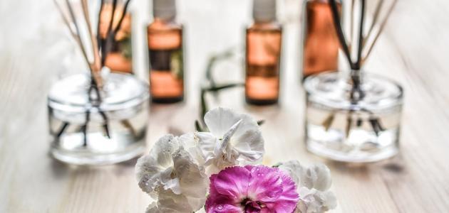 كيفية صنع عطر طبيعي