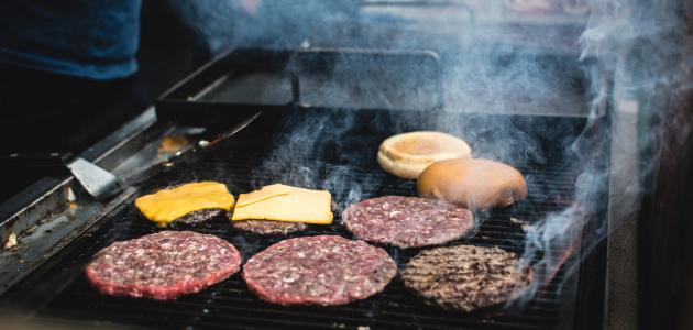 كيف يصنع لحم البرجر - موضوع