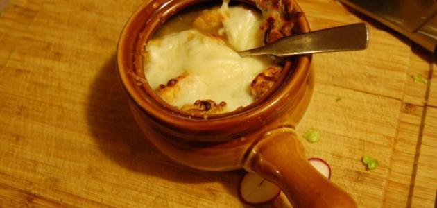 مكونات شوربة البصل