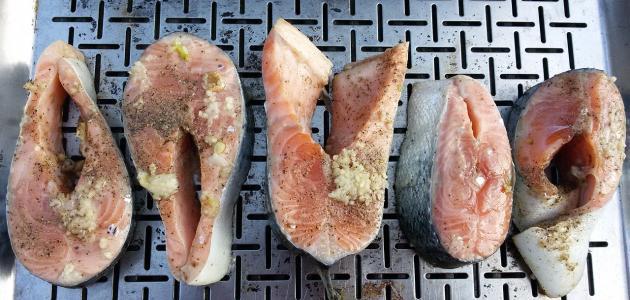 كيفية تتبيل سمك الشواء
