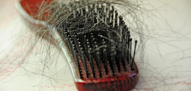 علاج تساقط الشعر بطرق طبيعية