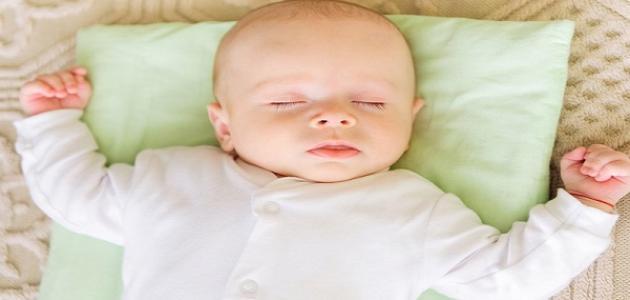 كيفية تنويم الرضيع