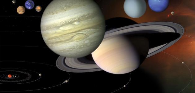 عدد أقمار الكواكب الشمسية