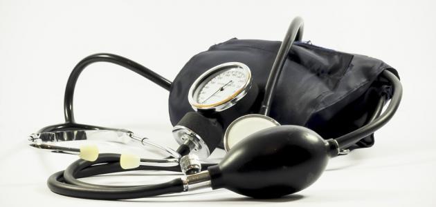 مكونات جهاز قياس ضغط الدم