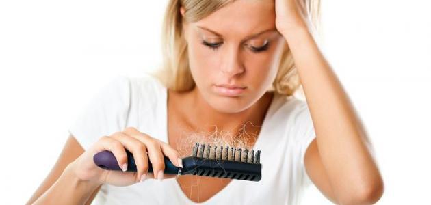 تساقط الشعر الطبيعي