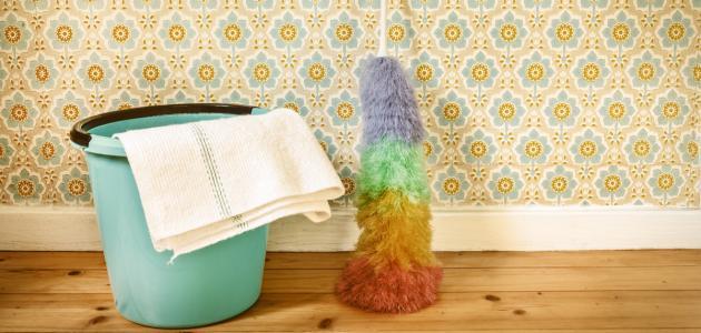 كيفية تنظيف ورق الجدران