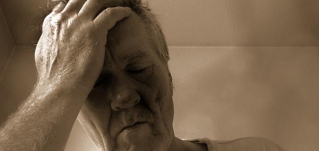 ما هي أعراض نقص ب12