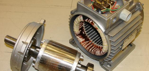 مم يتكون المحرك الكهربائي