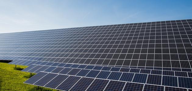 مكونات لوح الطاقة الشمسية