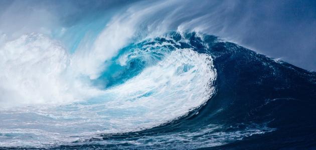 سبب تكون موجات التسونامي