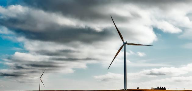 كيفية تحويل طاقة الرياح إلى طاقة كهربائية
