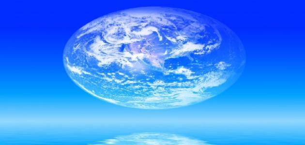 كم نسبة الماء في الأرض