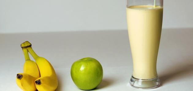 طريقة عمل عصير الموز والتفاح