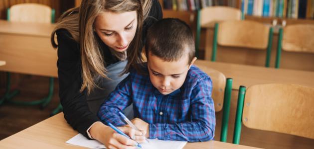 طريقة تعليم الطفل كتابة الحروف