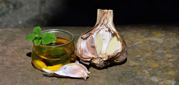 طريقة استخدام الثوم وزيت الزيتون للشعر