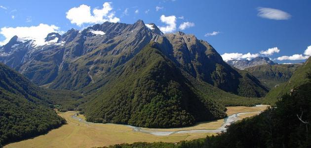 بماذا تشتهر نيوزلندا