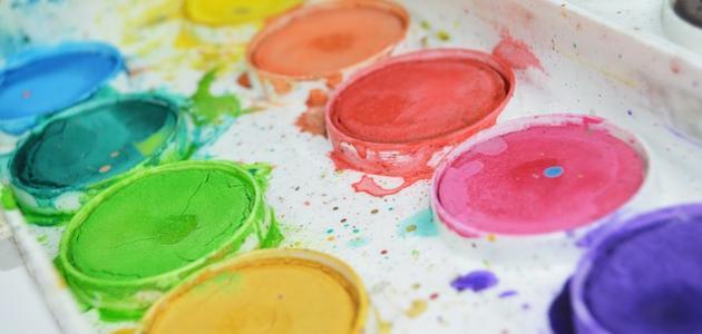 كيفية صنع الألوان المائية