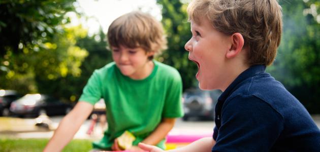 طرق اللعب مع الأطفال