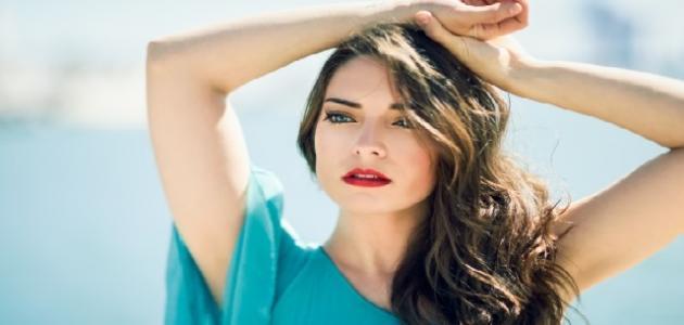 علامات جمال الوجه عند المرأة