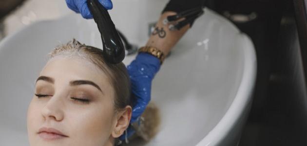 كيفية سحب لون الشعر