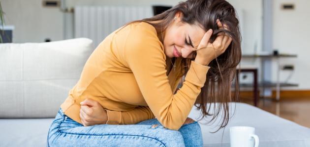 ما أعراض عسر الهضم