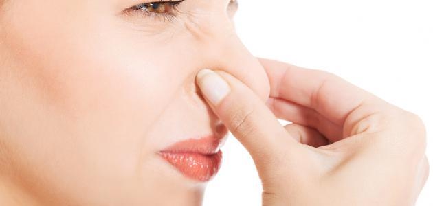 ما هو سبب رائحة الجسم الكريهة