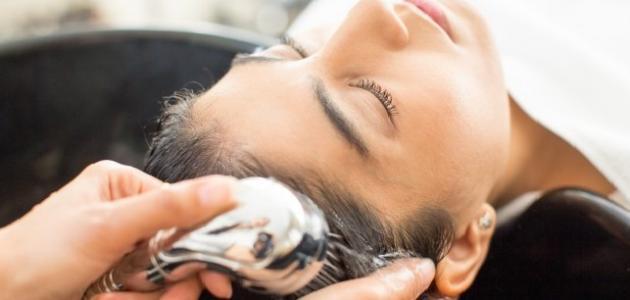 أسهل طريقة للتخلص من قشرة الشعر