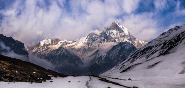 أين تقع جبال هملايا