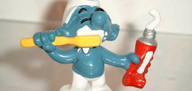 أسهل طريقة لإزالة رائحة الفم الكريهة