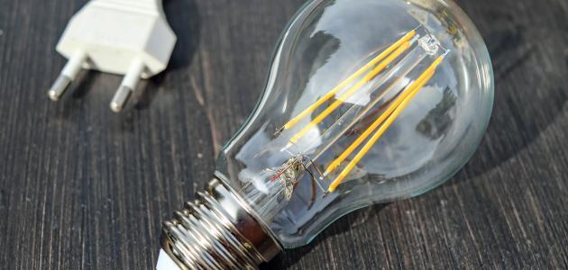 كيفية توليد الكهرباء بطرق بسيطة