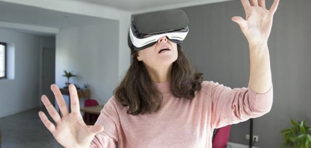ما هي نظارات الواقع الافتراضي
